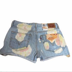 Levi's shorts 27